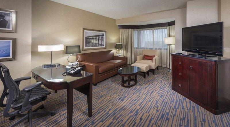 DoubleTree Suites by Hilton Hotel Columbus Downtown - отели