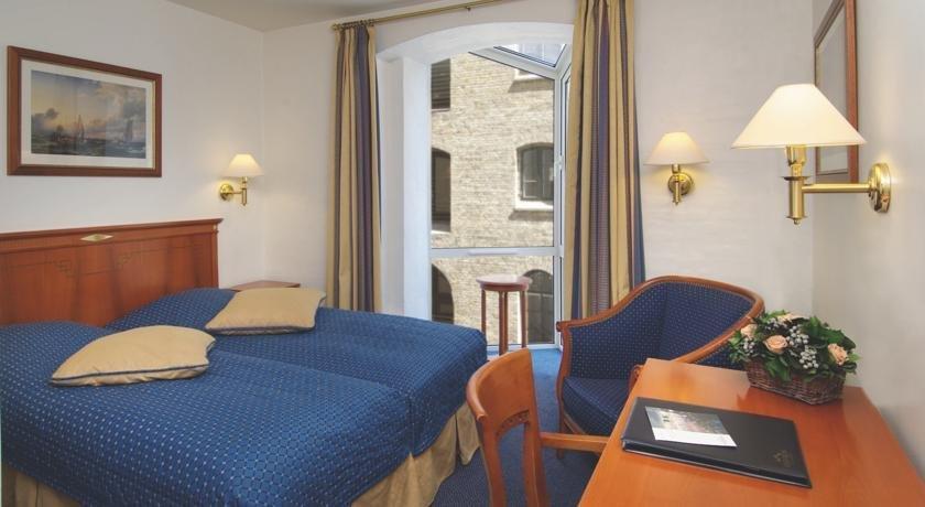 copenhagen strand hotels copenhague. Black Bedroom Furniture Sets. Home Design Ideas