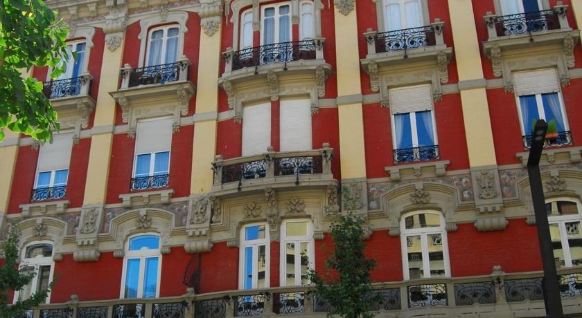 Pension londres granada hotels grenade for Hotels grenade