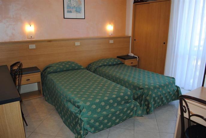Отели для детей в ДианоМарина