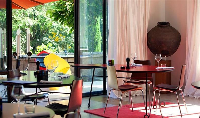 Mas de l 39 amarine hotels saint r my de provence - Mas de l amarine st remy ...