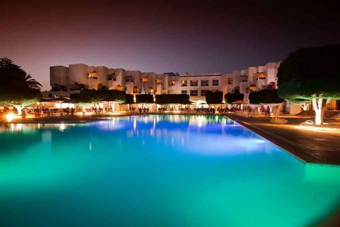 Les pyramides hotels nabeul for Meuble 5 etoile tunisie