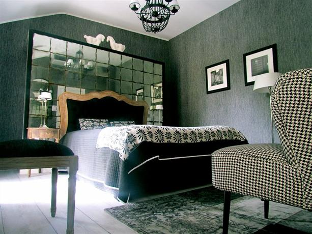 h tel st pierre saumur hotels saumur. Black Bedroom Furniture Sets. Home Design Ideas