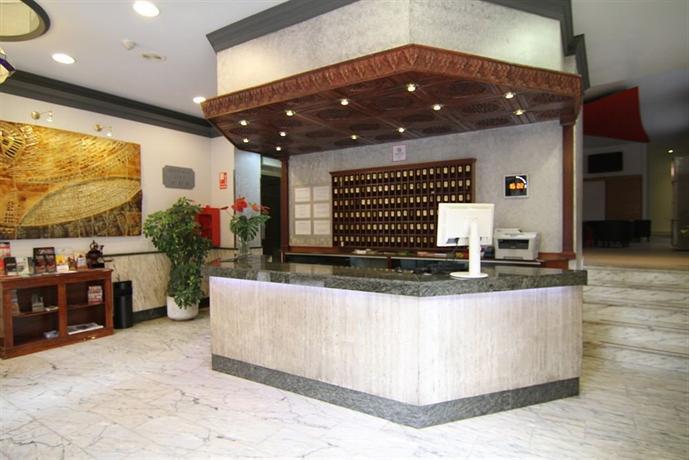 Hostal atenas hotels grenade for Hotels grenade