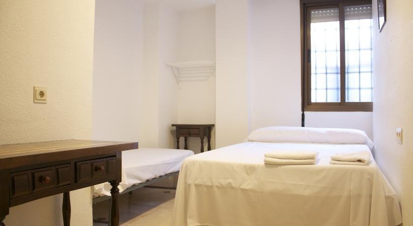 Hostal bocanegra hotels grenade for Hotels grenade