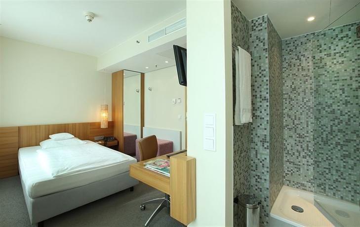 lindner hotel am ku 39 damm hotels berlin. Black Bedroom Furniture Sets. Home Design Ideas