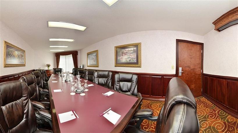 Comfort suites corvallis hotels corvallis for 9th street salon corvallis