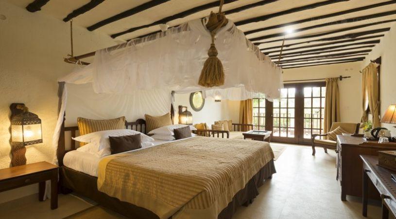 Breezes beach club spa zanzibar hotels zanzibar for Canape zanzibar
