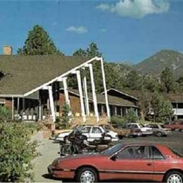 Twin owls motor lodge estes park compare deals for Twin owls motor lodge