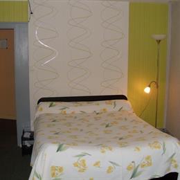 la boule d 39 or bressuire compare deals. Black Bedroom Furniture Sets. Home Design Ideas