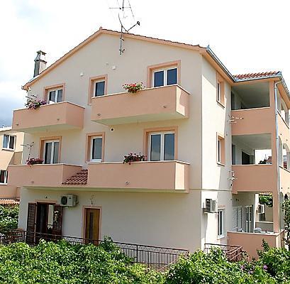 Apartments Belas