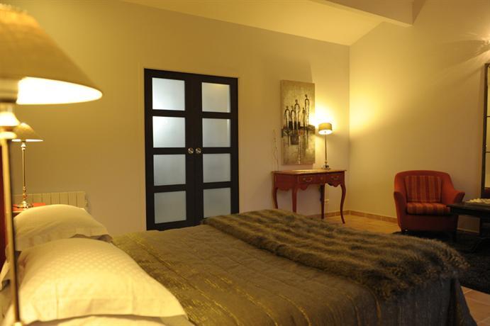 Demeure Les Arabesques Hotel PortSaintPere Compare Deals - Hotel port saint pere