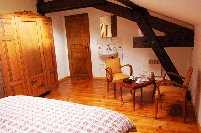 le grand trianon la chaise dieu compare deals. Black Bedroom Furniture Sets. Home Design Ideas