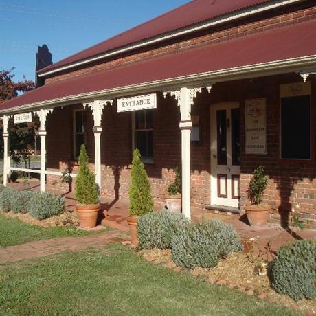 The Carrington Inn - Bungendore