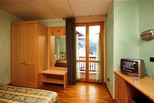 Foyer De Hotel : Hotel foyer de montagne valgrisenche compare deals
