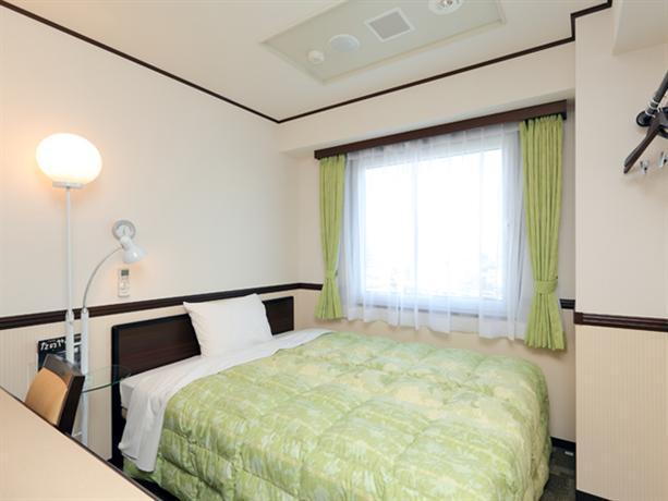 Toyoko Inn Shin-Osaka-eki Higashi-guchi