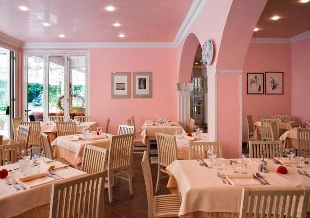 Villa mirella grado compare deals for Hotel meuble villa patrizia grado