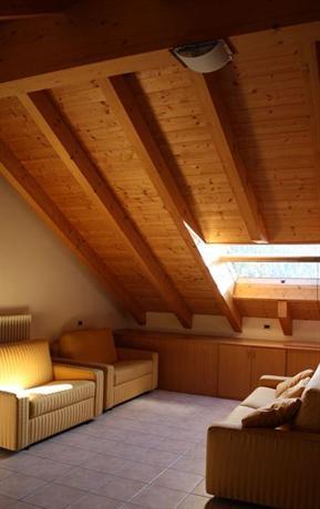 Soggiorno Dolomiti, Mazzin - Compare Deals