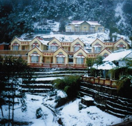 Everest panorama resort daman compare deals for Hotel panorama hotel