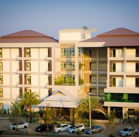 Green Hotel & Resort