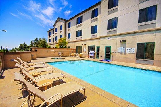 About Hilton Garden Inn Los Angeles Montebello