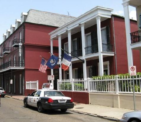 le richelieu in the french quarter new orleans compare. Black Bedroom Furniture Sets. Home Design Ideas