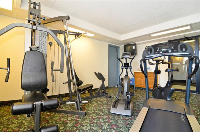 Cooper 39 s mill hotel cedar rapids compare deals for Coopers mill