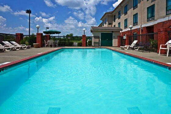 Holiday Inn Express Olive Branch Compare Deals