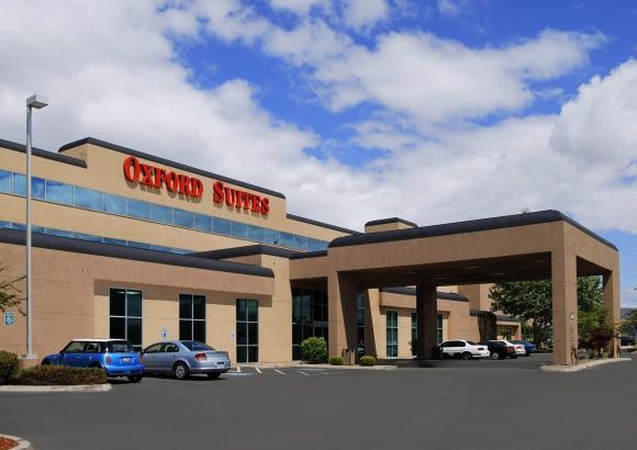 oxford suites yakima compare deals. Black Bedroom Furniture Sets. Home Design Ideas