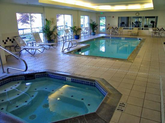 springhill suites seattle south renton compare deals. Black Bedroom Furniture Sets. Home Design Ideas