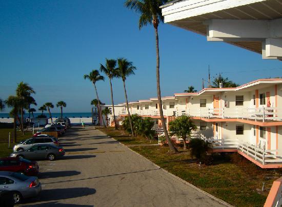 About Carousel Inn Fort Myers Beach