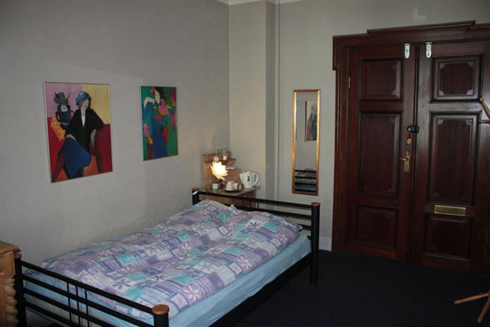 bed breakfast bonvie copenhagen compare deals. Black Bedroom Furniture Sets. Home Design Ideas