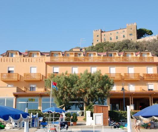 Hotel miramare castiglione della pescaia compare deals for Hotel castiglione della pescaia