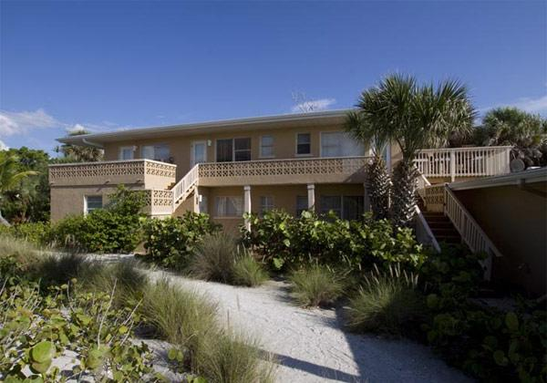 Pearl Beach Inn Resort, Englewood - Compare Deals