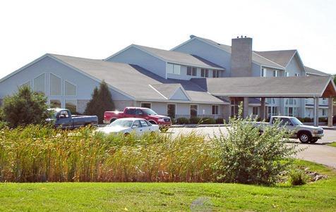 AmericInn Lodge & Suites Marshall
