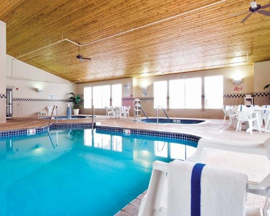 About Country Inn Suites By Radisson Albertville Mn