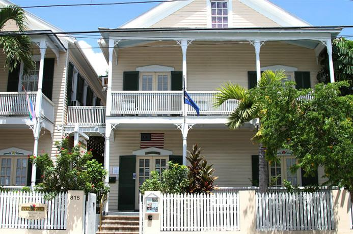 Fantastic Duval House Bed And Breakfast Key West Compare Deals Download Free Architecture Designs Scobabritishbridgeorg