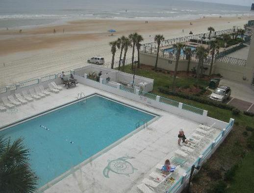 About Castaways Beach Resort