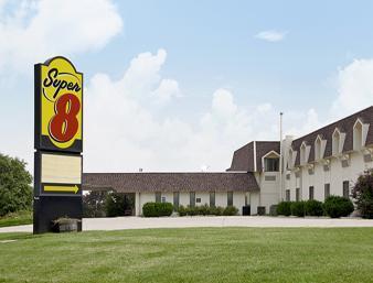 HomeTown Inn and Suites
