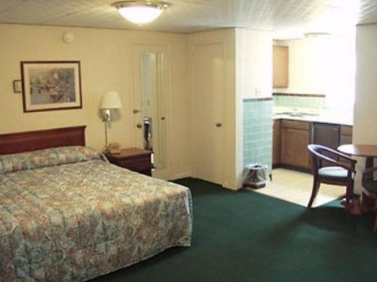 About El Patio Motel - El Patio Motel, Erie - Compare Deals