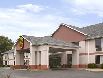 Super 8 by Wyndham Troy IL St Louis Area