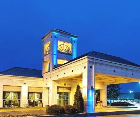Holiday Inn Express Hotel & Suites Hunstville-University Drive