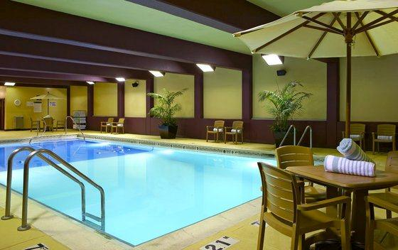 hotels list kansas city with jacuzzi