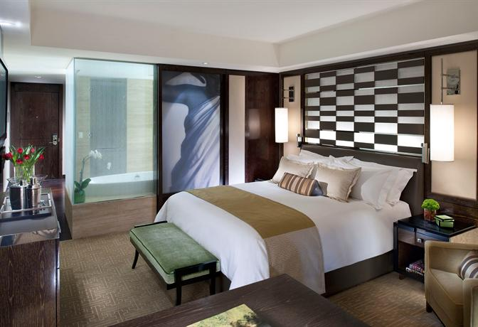 Cityscape  King Bed Vegas Mandarin