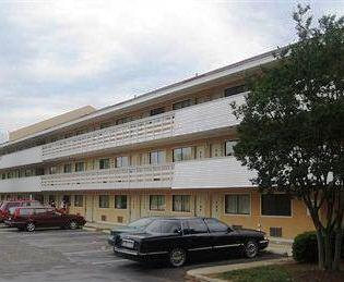 Motel 6 Raleigh East New Bern Avenue
