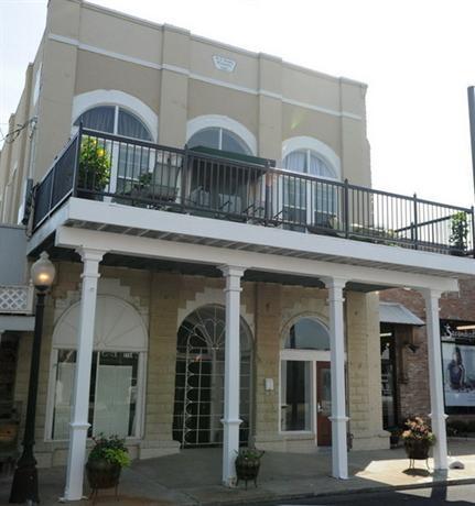 Hamilton House Inn