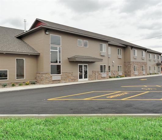 Canby Inn & Suites