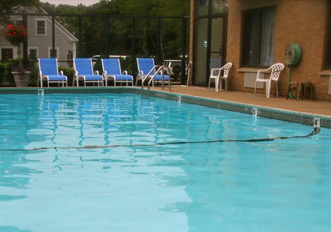 Holly Tree Resort West Yarmouth Compare Deals