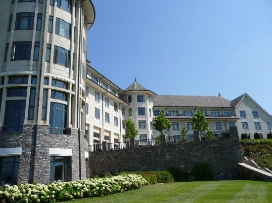 Ask about our discount group rates for 9 or more rooms at hotels near Biltmore Estate.