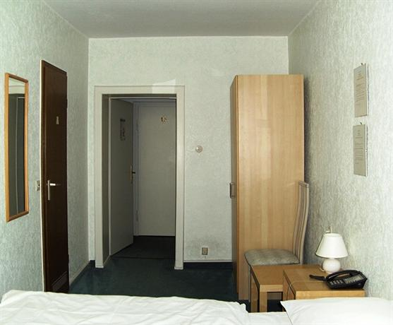 hotel europa d sseldorf die g nstigsten angebote. Black Bedroom Furniture Sets. Home Design Ideas